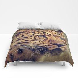 Leopard portrait Comforters