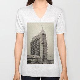 La tour infernale Unisex V-Neck