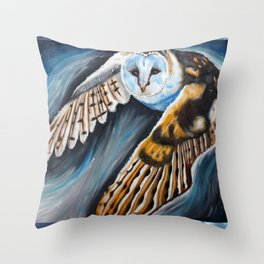 Night Owl in flight Throw Pillow