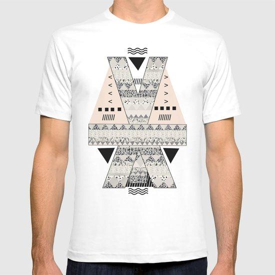 MONOTONE  GEOMETRIC ANIMAL PRINT  T-shirt