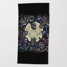 Zombies attack (zombie circle horde) Beach Towel