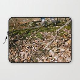 volando en el bosque Laptop Sleeve