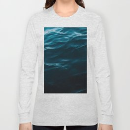 Minimalist blue water surface texture - oceanscape Long Sleeve T-shirt