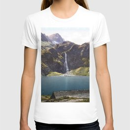 The Lake of Oô, Luchon, Pyrenees, France T-shirt