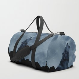 Wolf howling at full moon Duffle Bag