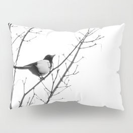 Magpie in the trees Pillow Sham