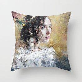 L'une -100- Throw Pillow