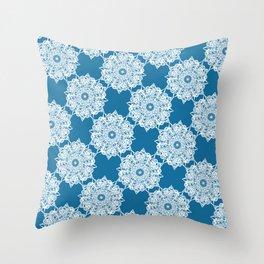 Gorgeous Lace Snow Pattern Throw Pillow