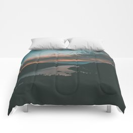 Columbia River Gorge Sunset Comforters