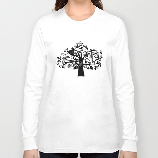 :) animals on tree Long Sleeve T-shirt