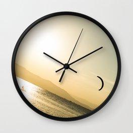 Persigue tus sueños Wall Clock