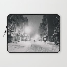 Alone in a Blizzard - New York City Laptop Sleeve