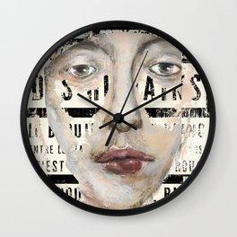 C'EST UN PEU COMME LE ROUGE Wall Clock