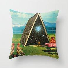 Picnic day  Throw Pillow