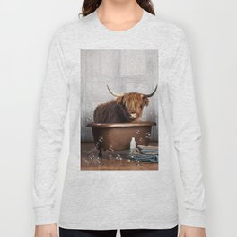 Highland Cow in the Tub Long Sleeve T-shirt
