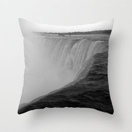 Niagara Falls, Canada Throw Pillow