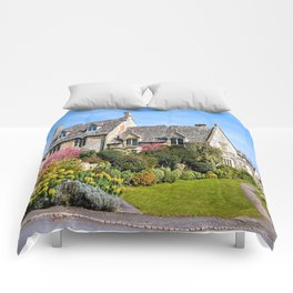 Captivating Property. Comforters