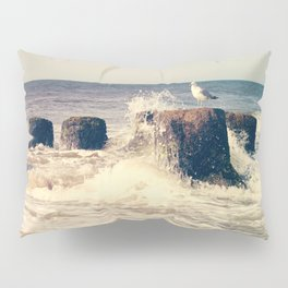 Seagull on stump Pillow Sham