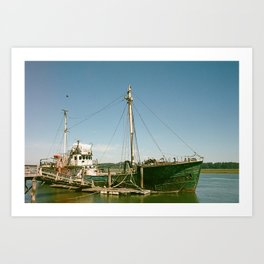 Pirate ships come sailing in Art Print