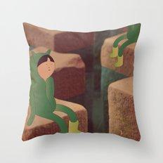 5 m i n Throw Pillow