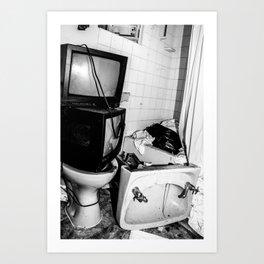 Tv on the Toilet Art Print
