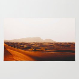 Minimalist Desert Landscape Sand Dunes With Distant Mountains Rug