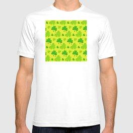 St. Patrick's Day Lucky Green Shamrocks Pattern T-shirt