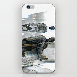 U͘nt͘i̛t͘le͞d̨ 1̛8 iPhone Skin