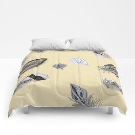 Creamy feathers Comforters