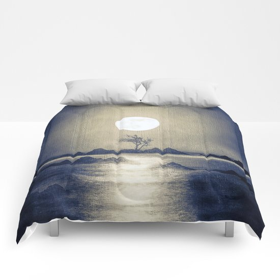 When the moon speaks (part III) colour option Comforters