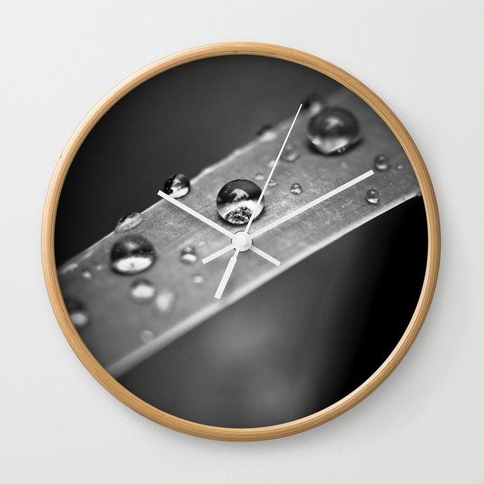 Simple Drops 1 Wall Clock