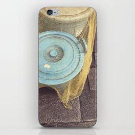 lid iPhone Skin