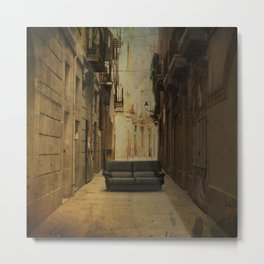 Amazing big things I found in Barcelona's streets Metal Print