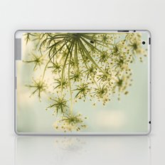 Botanical Queen Anne's Lace Laptop & iPad Skin