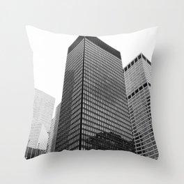 New York, Seagram Building, Mies van der Rohe Throw Pillow