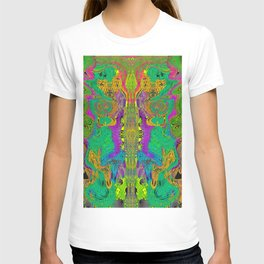 Twisted Bug Face (Light) (Psychedelic) T-shirt