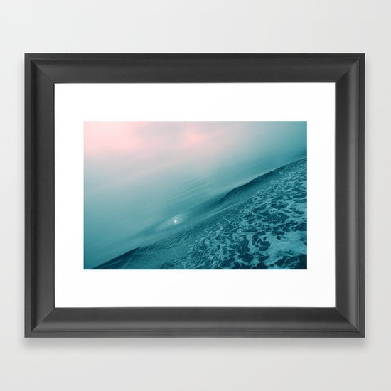 silencioso Framed Art Print