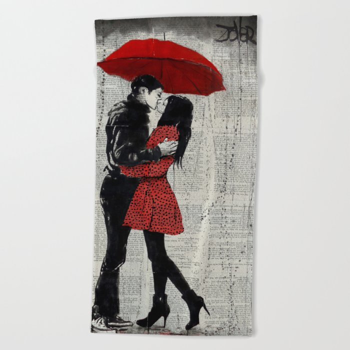 rain kisses Beach Towel