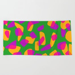 happy pink shapes Beach Towel