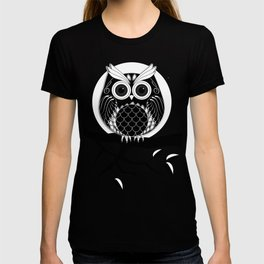 Graphic vector owl on branch in B&W T-shirt