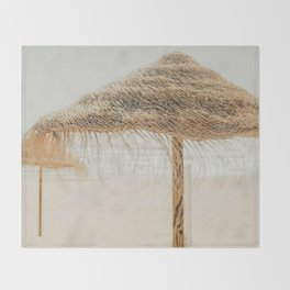 beach dreams Throw Blanket