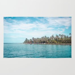 Blue and turquoise paradise of the San Blas Islands, Panama in the Caribbean Sea Rug