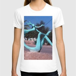 Mother & child by Shimon Drory T-shirt