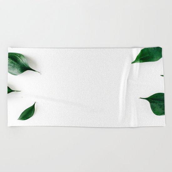 Minimal botanics Beach Towel