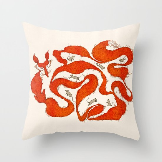 fox tail maze Throw Pillow