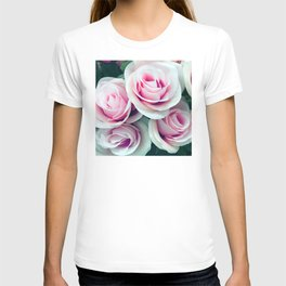 'La Vie Est Belle' (Life is Beautiful) Pink Roses T-shirt