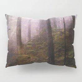 Travelling darkness Pillow Sham