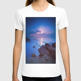 Rocky coast sunset T-shirt