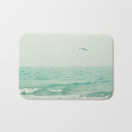 Lone Bird Bath Mat
