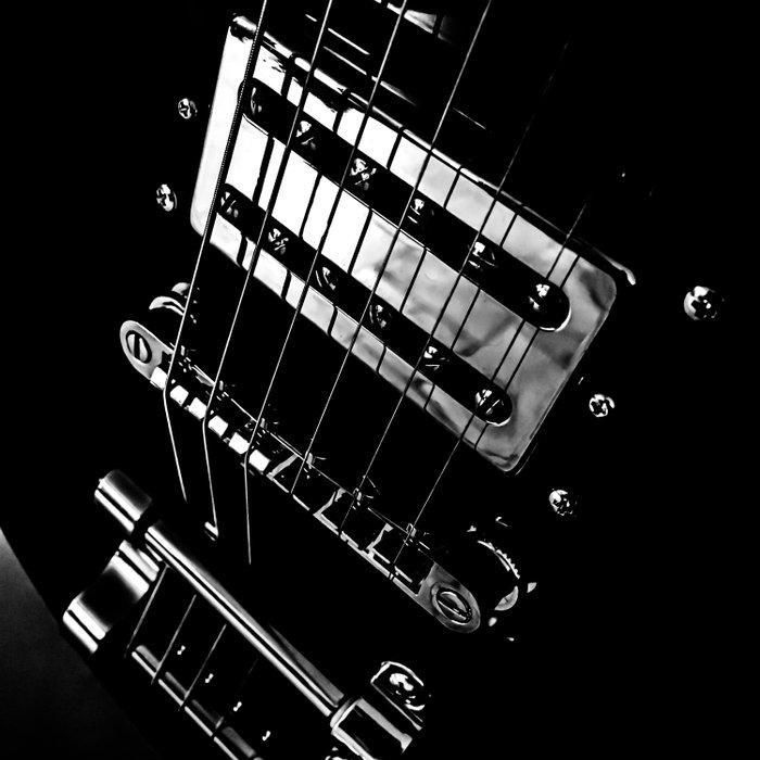 6 Strings Of Joy Duvet Cover